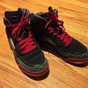 Nike boys basketball shoes sz 4.5